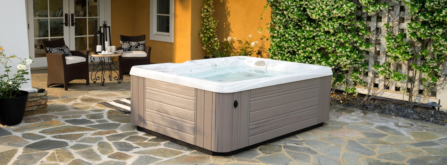 10 of the Most Reliable Hot Tubs—How to Be Sure You\'re Getting the ...